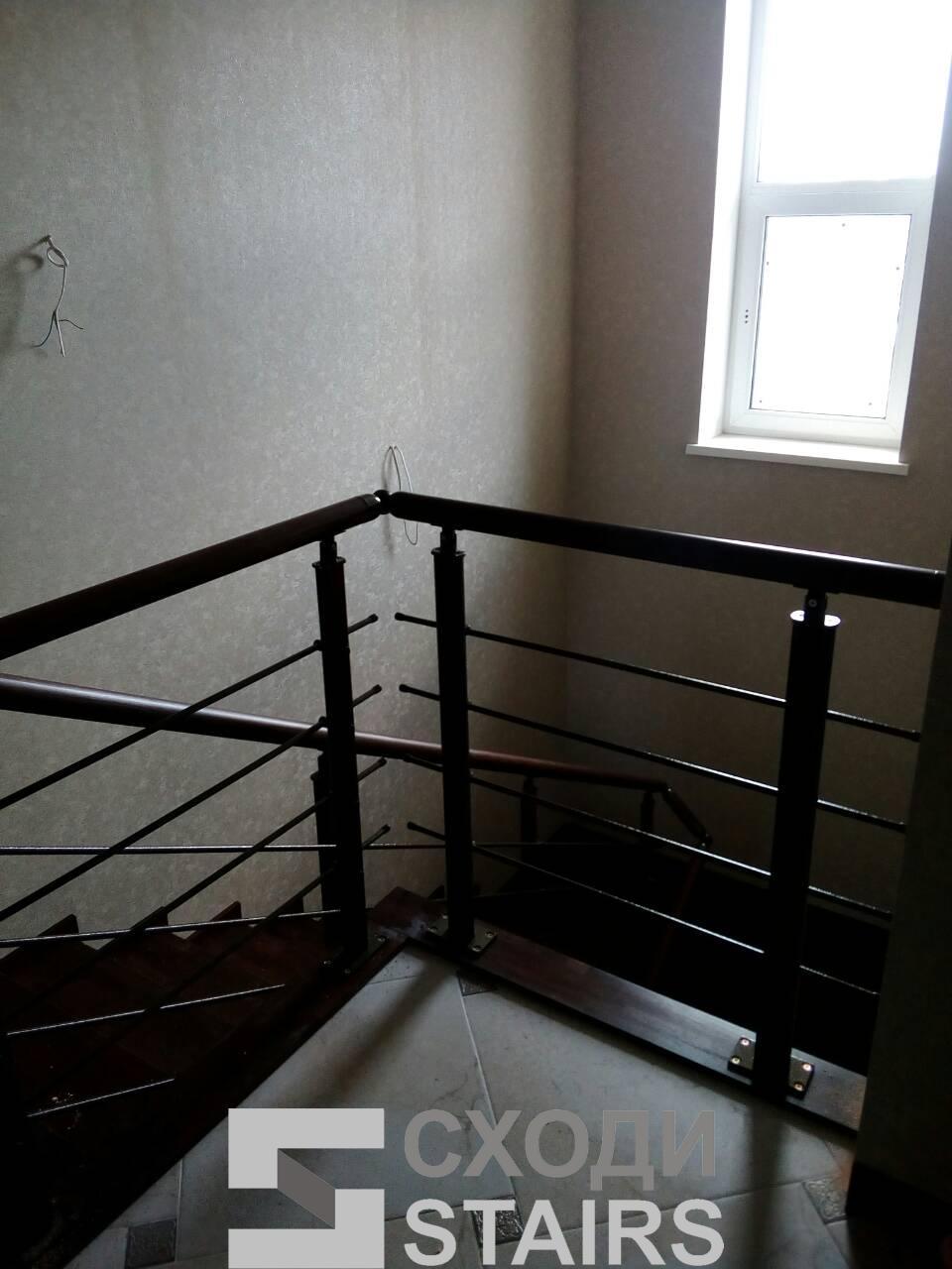 Обшив п-образной лестницы на второй этаж фото 2