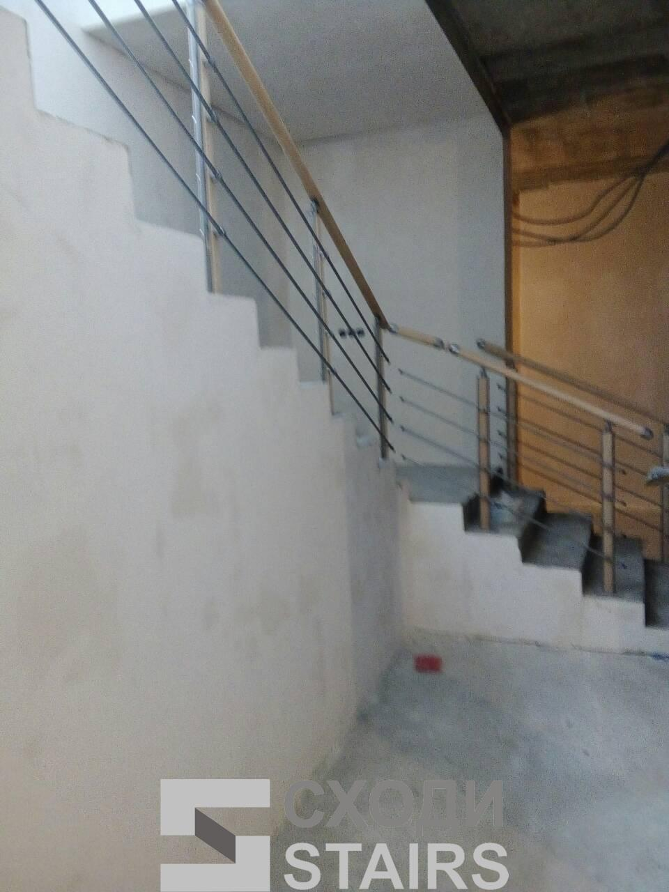 Обшив п-образной лестницы на второй этаж фото 4