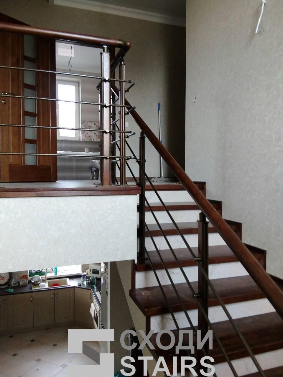 Обшив п-образной лестницы на второй этаж фото 6